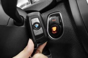 BMW/ 寶馬  3 SERIES  320i 2012年 | TCBU優質車商認證聯盟