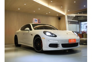 Porsche保時捷 Panamera